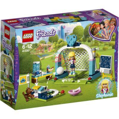LEGO Friends Stephanie fociedzésen 41330