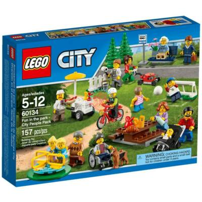 LEGO City Town Móka a parkban - City figuracsomag 60134