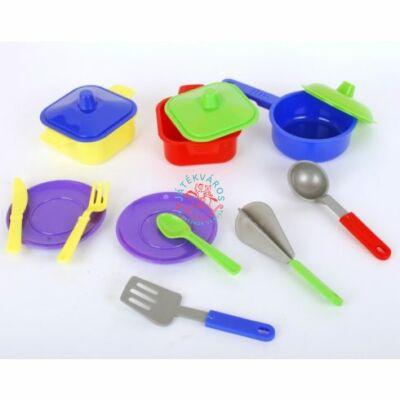 Műanyag játék edénykészlet